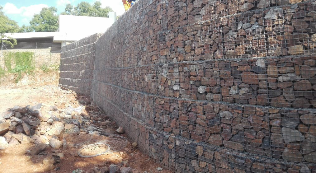 Gabions for retaing walls
