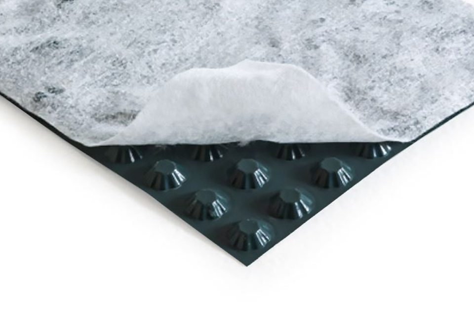 HDPE studded membrane, 8 mm thick, with one nonwoven textile