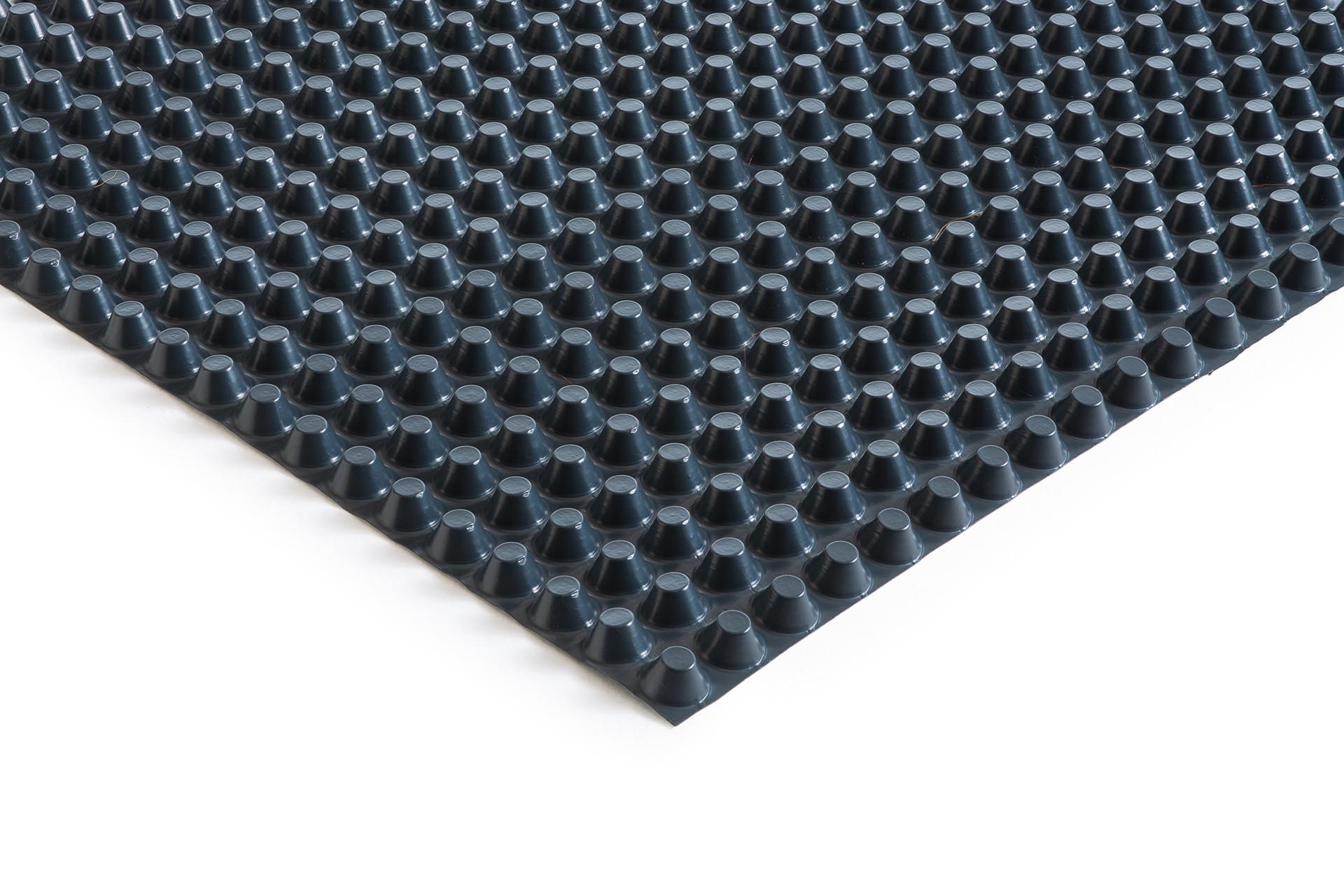 HDPE studded membrane, 20 mm thick with fire retardant additives