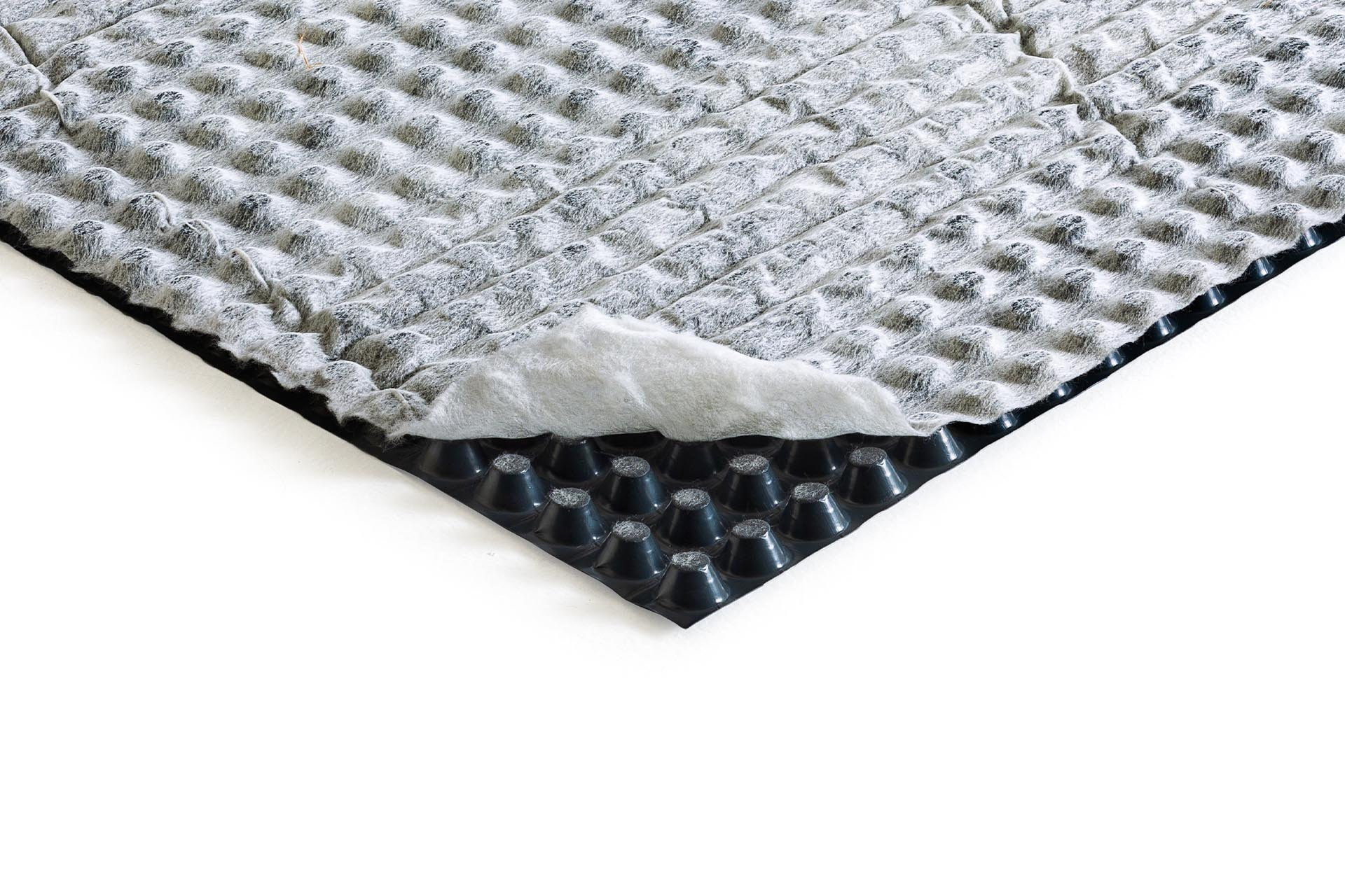 HDPE studded membrane, 20mm thick, with one nonwoven textile